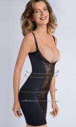 Восхитетельное корректирующее платье с кружевной вставкой  М