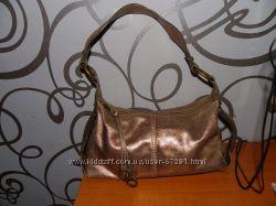 Кожанную золотую сумку