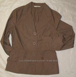 Легенький пиджак на С  новый