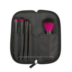 Color Me Fuchsia Brush Set Набор кистей