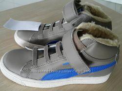 Продам новые утепленные ботиночки Puma