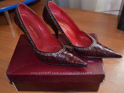 Продам кожаный классические туфли 38р