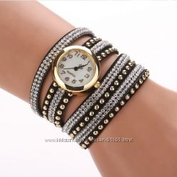 Распродажа  Часы-браслет с ослепительными камнями
