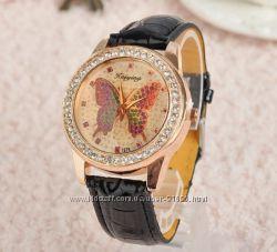 Дизайнерские часы с бабочкой