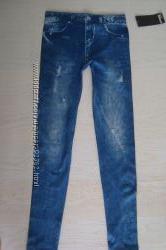 Оригинальные леггинсы, имитирующие джинсы