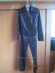 Брючный костюм в стиле диско от Joseph Ribkoff