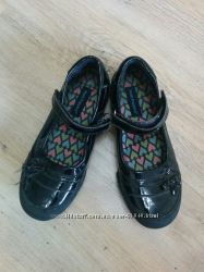 Туфли на девочку р. 35 .