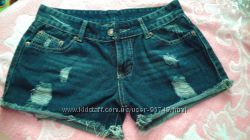 Новые качественные джинсовые шортики.