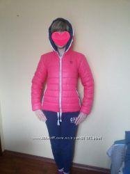 ДемИ куртка Adidas, р. S в идеальном состоянии