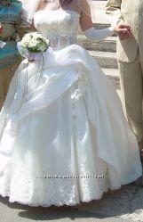 Продам свадебное платье с салона в отличном состоянии