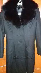 Пальто со съемным меховым воротником