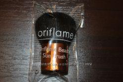 Кисточка кабуки для пудры и румян Oriflame