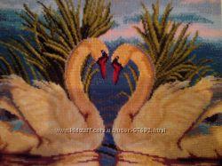 Картина вышитая бисером Лебеди на закате, полная зашивка.