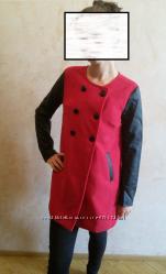 Стильное деми пальто с кож рукавами