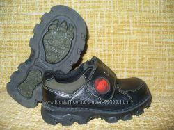 Наша брендовая деми-обувка в отличном состоянии на ножку от 15 до 18-ти см