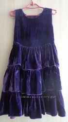 Красивое платье H&M р 5-6лет.