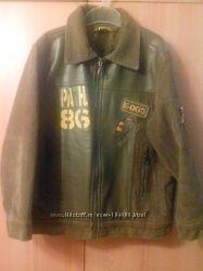 Куртка вельвет на мальчика 6-7 лет