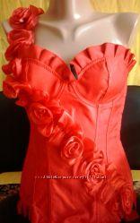 Красный корсет для праздника