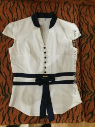 Классная блузка р. М для офиса, школы и просто так