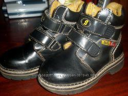 Ботинки на мальчишку 25р, по стельке 15-16см