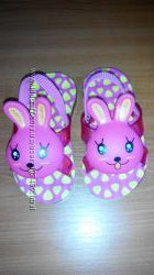 яркие сандалики и босоножки для малышки