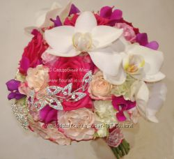 Свадебный букет из  орхидей с подарком
