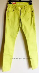 Легкие джинсы скинни цвета лайм OLD NAVY M-L