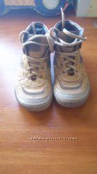 Демисезонные ботинки chicco 33размер