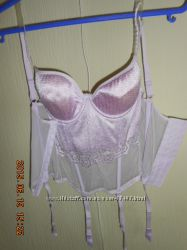 Нежный ажурный корсет с подвязками