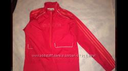 Красная ветровка Adidas, размер XS, S
