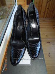 Шикарные туфли Mario Muzi 39 размера