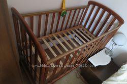 Детская кроватка с ящиком, матрасом и постельным бельем в нагрузку