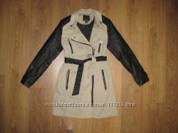 Шикарное стильное пальто слегка утепленное