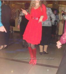 Красное платье Carla и сапоги-чулки Carlo Pazolini