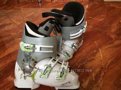 Лыжные ботинки Atomic 22, 0 - 22, 5