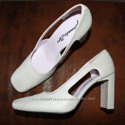 Іспанські елегантні шкіряні туфлі р. 37