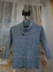 Стильный фирменный свитерок 122 размер