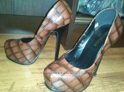Туфли аля лабутены
