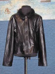 лакированый куртец на 1012 лет