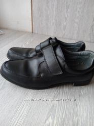 Туфли для подростка р. 39-40 кожа Фламинго