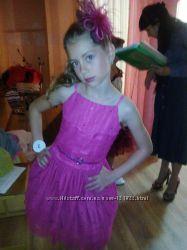 Фирменное платье MARKS&SPENSER на 9 лет.