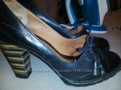 Фирменные туфли  CLARKS на 35р.