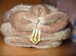 шапка бежевого цвета новая