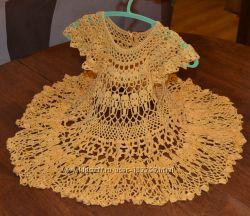 Ажурное вязаное платье на 2-3 года плюс повязка на голову. Ручная работа.