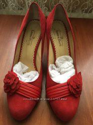 Замшевые туфельки Laura Berti