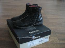 GEOX лакированные ботинки на 36 размер