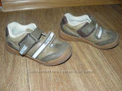 Продам кожаные деми туфли OSHKOSH  р. 8 16 см