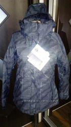 горнолыжная или сноубордическая куртка на синтетическом утеплителе