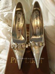Серебристые туфли Pier Lucci