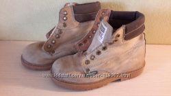 Ботинки деми Wrangler оригинал из натуральной кожи 33 р. Ботинки Noel 32 р.
